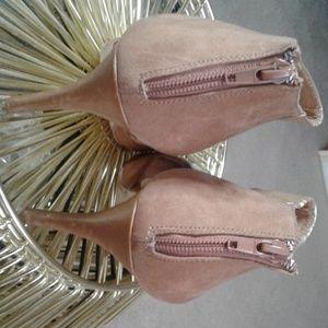 Camel/ Cognac Heels